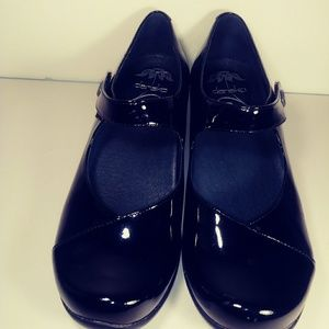 Dansko Black patent leather Mary Jane. Size 39.